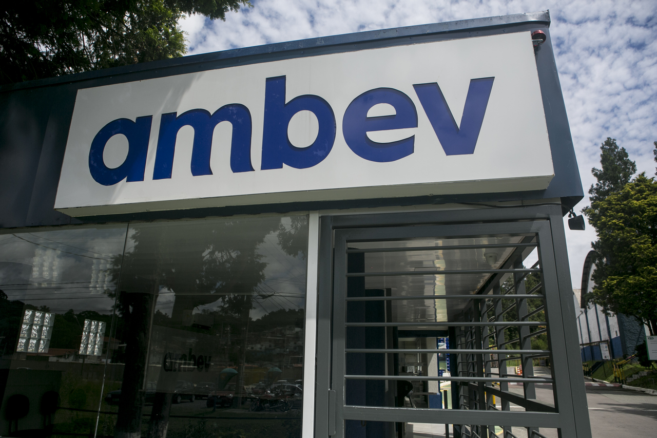 Ambev vai financiar delivery sem custo para bares e restaurantes